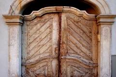 04_05_20-mirsk-friedeberg-drzwi-brama-portal-architektura-1